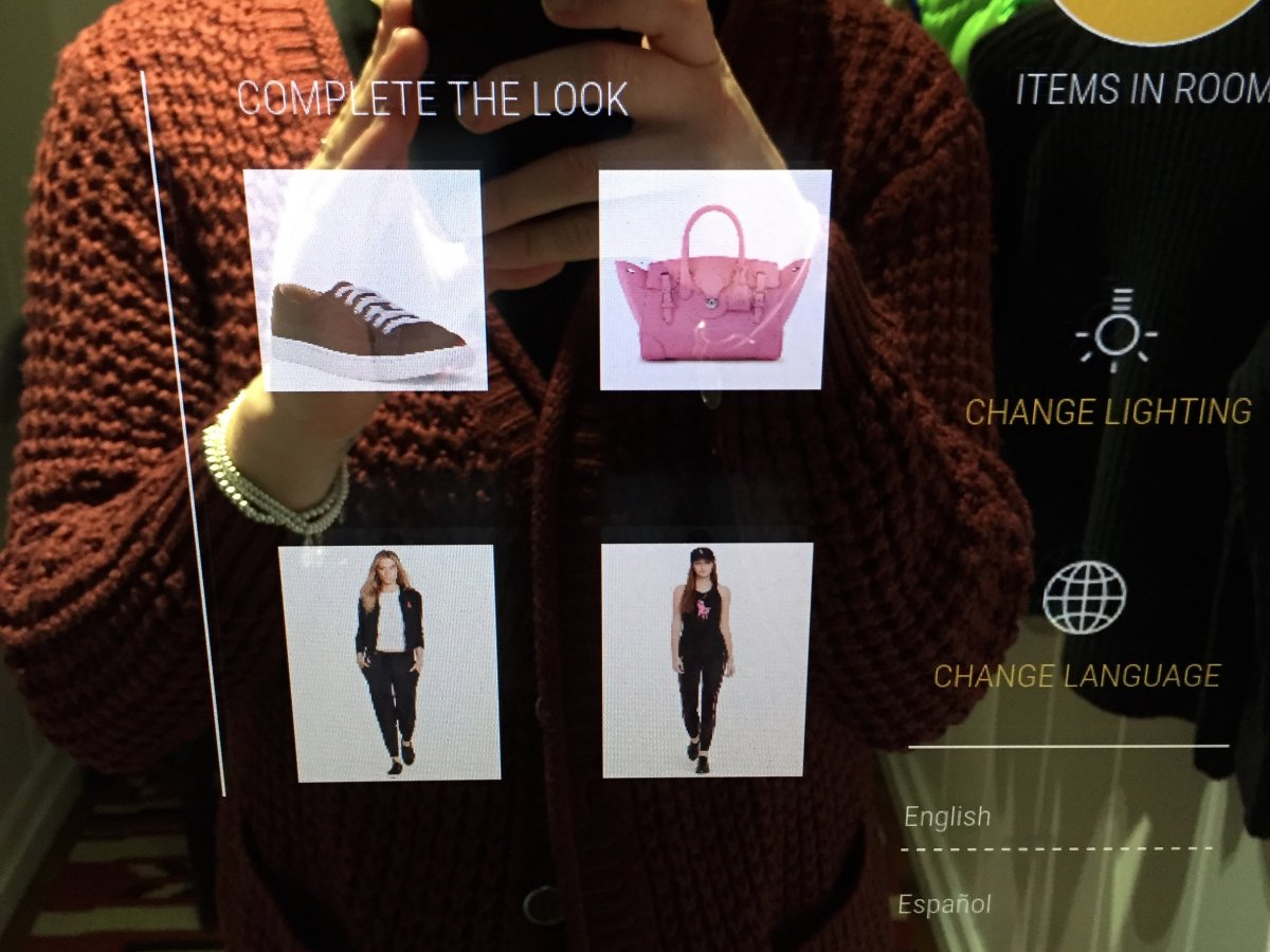 RalphLauren Smart Mirror